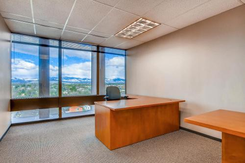 4704-Harlan-Street-Denver-CO-large-025-14-Office-1500x1000-72dpi